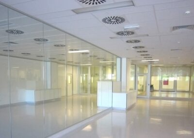modular-glass-walls-nicomac